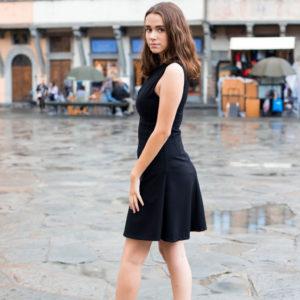 tubino nero donna ruota essere atelier negozio di moda abiti personalizzati firenze
